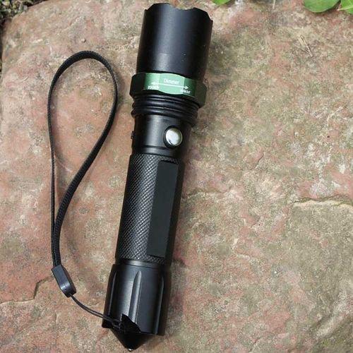 猎虎3档旋转变焦 套装带安全锤led充电铝合金强光手电筒 1101尾部
