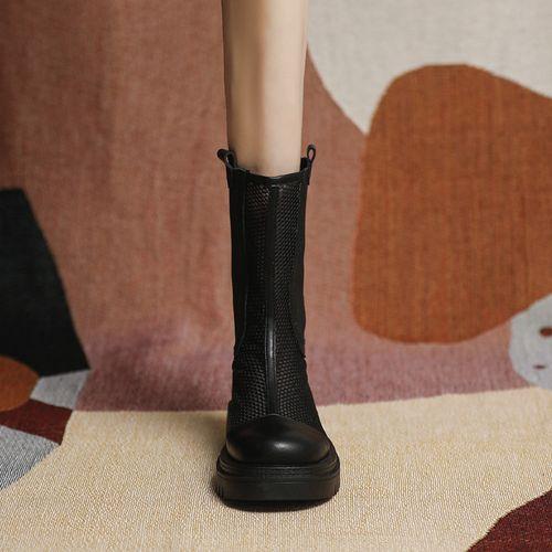 女生漂亮小姐姐穿的网红马丁靴夏季薄款女厚底短靴子2021新款真皮中筒