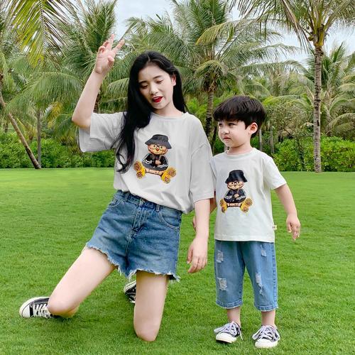 一家三口亲子装夏装2021新款潮短袖t恤夏纯棉母女法式