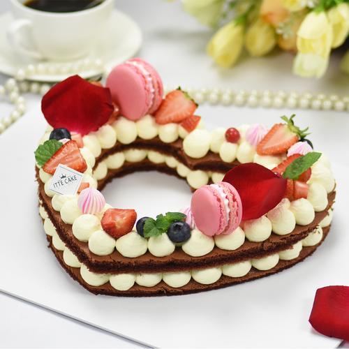 【心型蛋糕】马卡龙  鲜花 新鲜水果蛋糕