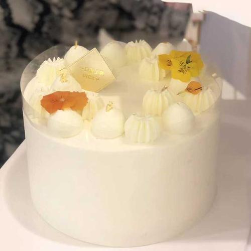 台式风味 i 金钻凤梨酸奶蛋糕