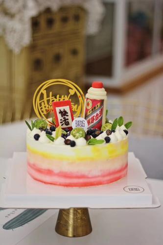 茅台生日蛋糕(部分翻糖制作)