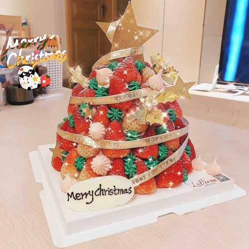 草莓圣诞树蛋糕(图片为8寸效果)