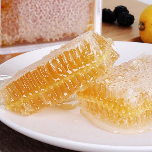 【嚼着吃的蜂巢蜜】一口咬下去,蜜汁流淌在嘴里,花香四溢,回味无穷!