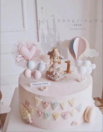 可爱生日蛋糕装饰摆件十二月花语娃娃公仔城堡女孩